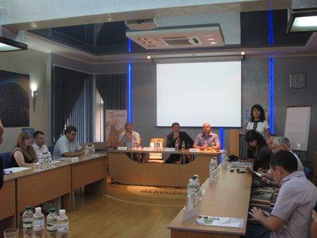 В Івано-Франківську відбувся круглий стіл на тему: «Створення єдиного інформаційного простору взаємодії з клієнтами»