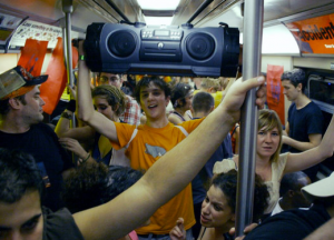 loud-music-on-bus1